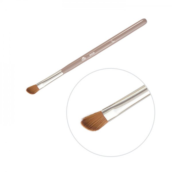 Angled Eyeshadow Contour Brush